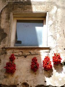 Pomodori fuori dalla finestra