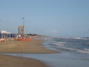 Spiaggia in località Sinuessa