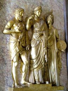 Statue dorate